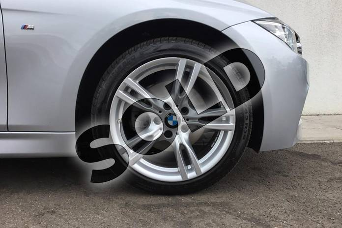 Image five of this 2018 BMW 3 Series Diesel Touring Diesel Touring 320d xDrive M Sport 5dr Step Auto in Glacier Silver at Listers King's Lynn (BMW)