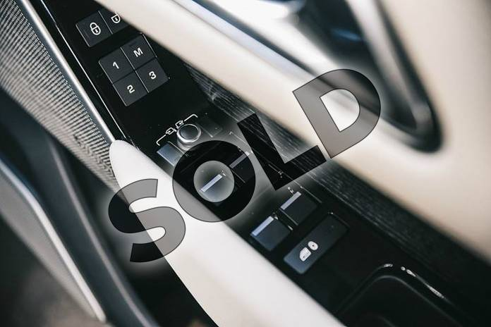 Image eleven of this 2018 Range Rover Velar Estate 2.0 P300 R-Dynamic SE 5dr Auto in Santorini Black at Listers Land Rover Solihull