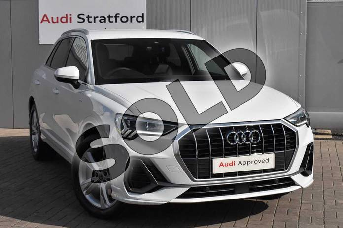 Picture of Audi Q3 35 TFSI S Line 5dr in Glacier White Metallic