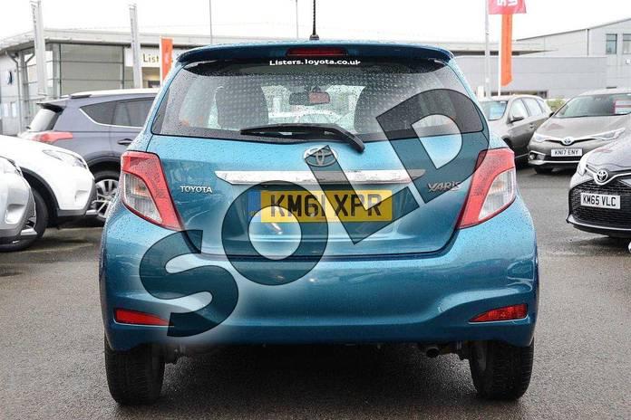 Image twelve of this 2012 Toyota Yaris Hatchback 1.33 VVT-i T Spirit 5dr in Green at Listers Toyota Nuneaton