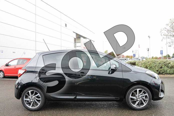 Image sixteen of this 2019 Toyota Yaris Hatchback 1.5 VVT-i Y20 5dr (Bi-tone) in Black at Listers Toyota Nuneaton