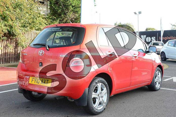 Image two of this 2010 Toyota Yaris Hatchback 1.33 VVT-i TR 5dr (6) in Red Pop at Listers Toyota Coventry