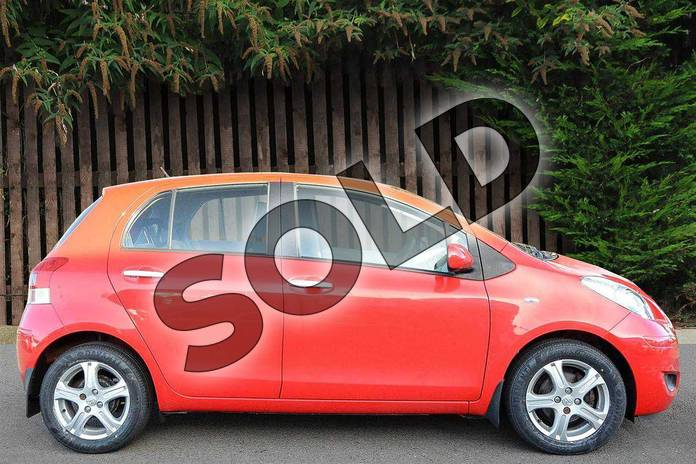 Image seventeen of this 2010 Toyota Yaris Hatchback 1.33 VVT-i TR 5dr (6) in Red Pop at Listers Toyota Coventry