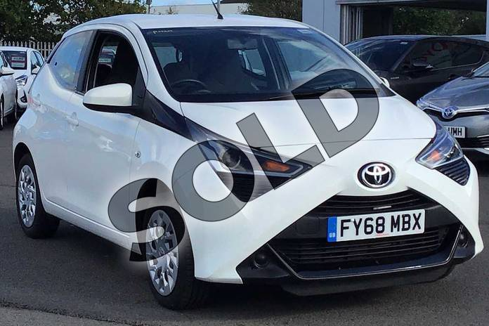 Picture of Toyota AYGO 1.0 VVT-i X-Play 5dr in Special Solid White
