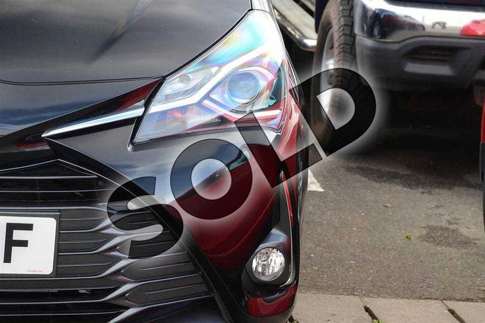 Image three of this 2019 Toyota Yaris Hatchback 1.5 VVT-i Y20 5dr (Bi-tone) in Black at Listers Toyota Nuneaton