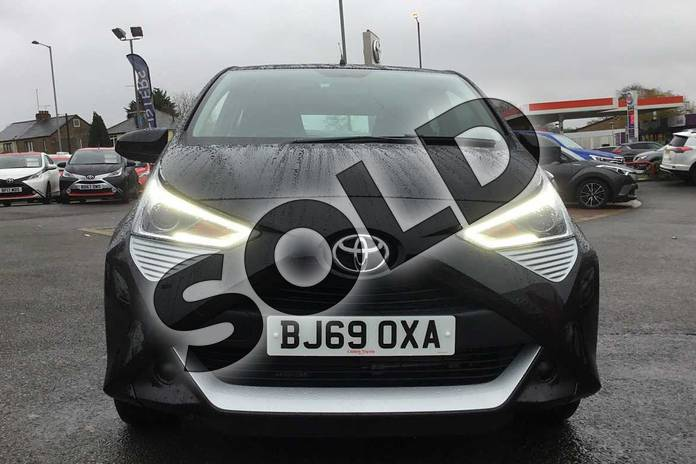 Image fifteen of this 2019 Toyota Aygo Hatchback 1.0 VVT-i X-Play 5dr in Bold Black at Listers Toyota Coventry