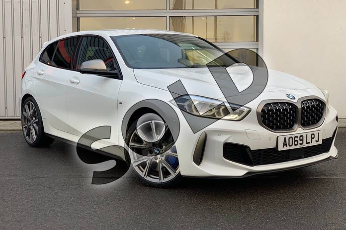 Picture of BMW 1 Series M135i xDrive in Alpine White