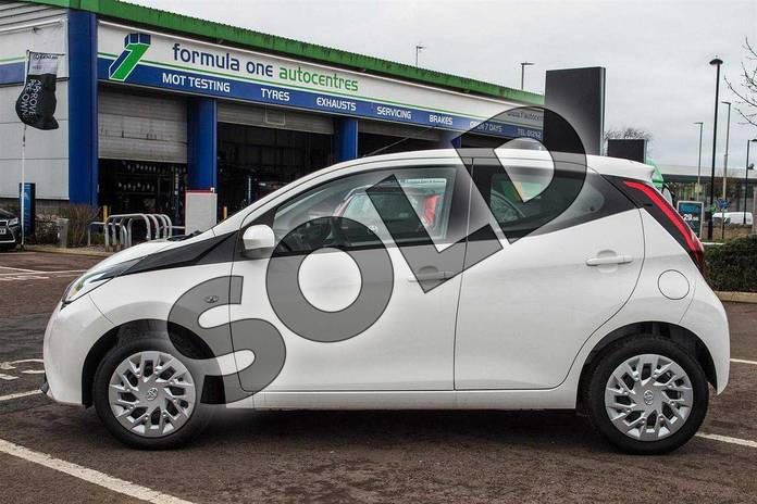 Image ten of this 2019 Toyota Aygo Hatchback 1.0 VVT-i X-Play 5dr in White Flash at Listers Toyota Cheltenham