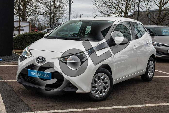 Image fifteen of this 2019 Toyota Aygo Hatchback 1.0 VVT-i X-Play 5dr in White Flash at Listers Toyota Cheltenham