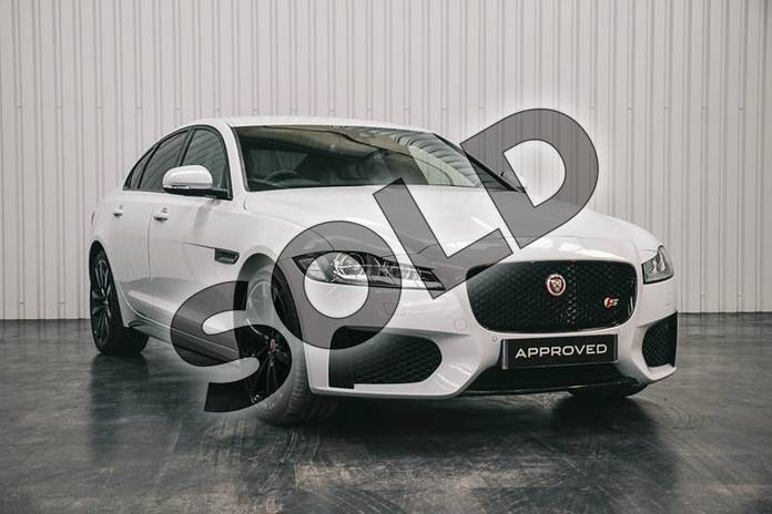 Picture of Jaguar XF 3.0d V6 S 4dr Auto in Glacier White/Arctic