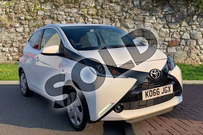 Picture of Toyota AYGO 1.0 VVT-i X-Play 5dr in White