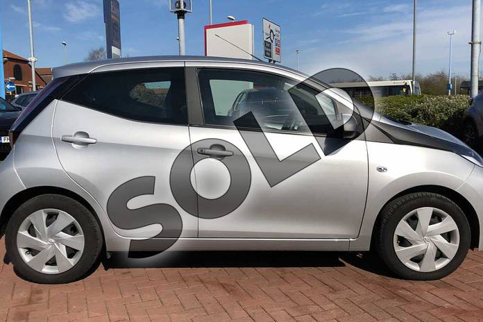 Image sixteen of this 2017 Toyota AYGO Hatchback 1.0 VVT-i X-Play 5dr in Silver at Listers Toyota Nuneaton