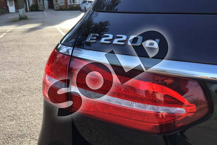 Image sixteen of this 2019 Mercedes-Benz E Class Diesel Estate E220d SE 5dr 9G-Tronic in obsidian black metallic at Mercedes-Benz of Grimsby