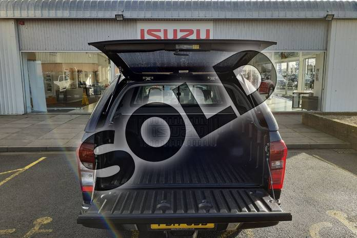 Image eleven of this 2017 Isuzu D-MAX Diesel 2.5TD Utah Double Cab 4x4 in Black at Listers Isuzu Worcester