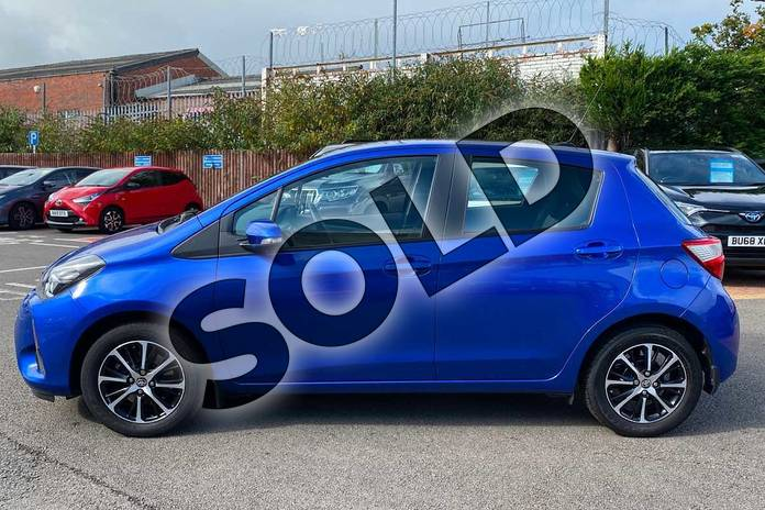 Image seventeen of this 2018 Toyota Yaris Hatchback 1.5 VVT-i Icon Tech 5dr in Nebula Blue at Listers Toyota Coventry