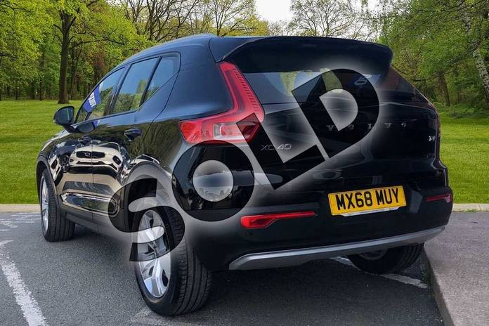 Image two of this 2018 Volvo XC40 Estate 2.0 T4 Momentum 5dr AWD Geartronic in Onyx Black at Listers Volvo Worcester