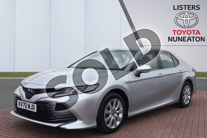 Image three of this 2020 Toyota Camry Saloon 2.5 VVT-i Hybrid Design 4dr CVT in Silver at Listers Toyota Nuneaton