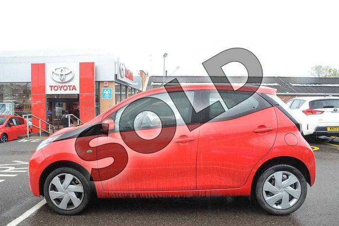 Image seventeen of this 2016 Toyota AYGO Hatchback 1.0 VVT-i X-Play 5dr in Red Pop at Listers Toyota Coventry