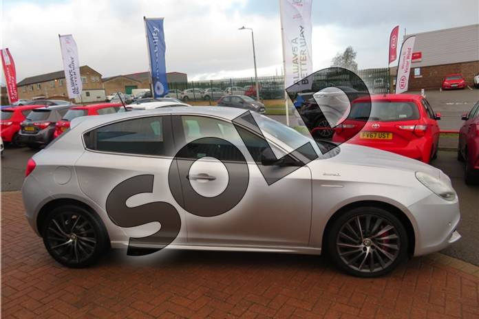 Image two of this 2015 Alfa Romeo Giulietta Hatchback 1.4 TB MultiAir QV Line 5dr TCT in Metallic - Alfa silver at Listers Toyota Grantham