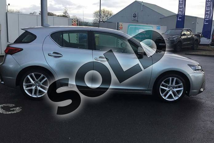 Image sixteen of this 2019 Lexus CT Hatchback 200h 1.8 5dr CVT in Sonic Titanium at Lexus Lincoln