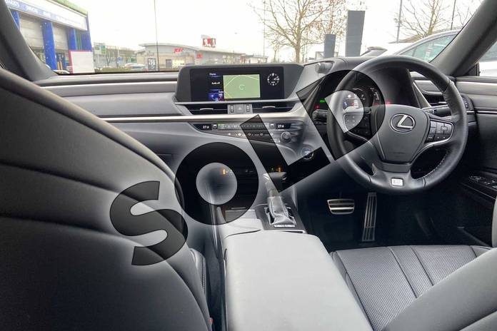 Image eleven of this 2019 Lexus ES Saloon 300h 2.5 F-Sport 4dr CVT (Tech/Safety Pack) in White at Lexus Cheltenham
