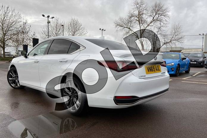 Image nineteen of this 2019 Lexus ES Saloon 300h 2.5 F-Sport 4dr CVT (Tech/Safety Pack) in White at Lexus Cheltenham