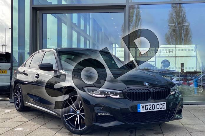 Picture of BMW 3 Series 330d M Sport 4dr Step Auto in Black Sapphire metallic paint