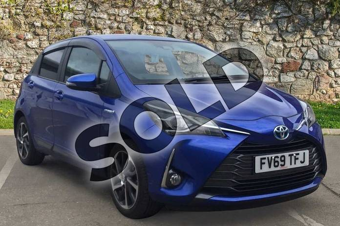 Picture of Toyota Yaris 1.5 Hybrid Y20 5dr CVT (Bi-tone) in Nebula Blue
