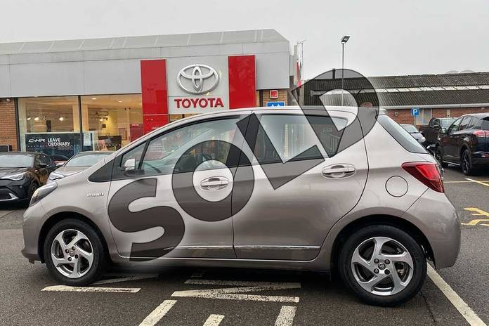 Image seventeen of this 2015 Toyota Yaris Hatchback 1.5 Hybrid Icon 5dr CVT in Brown at Listers Toyota Coventry