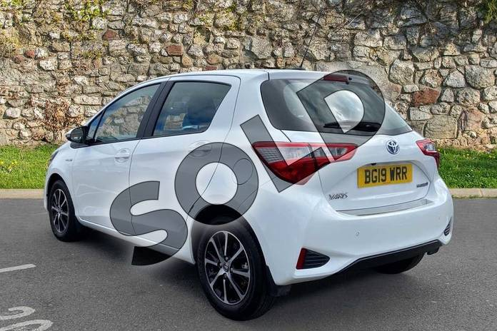 Image four of this 2019 Toyota Yaris Hatchback 1.5 Hybrid Icon Tech 5dr CVT in Pure white at Listers Toyota Coventry