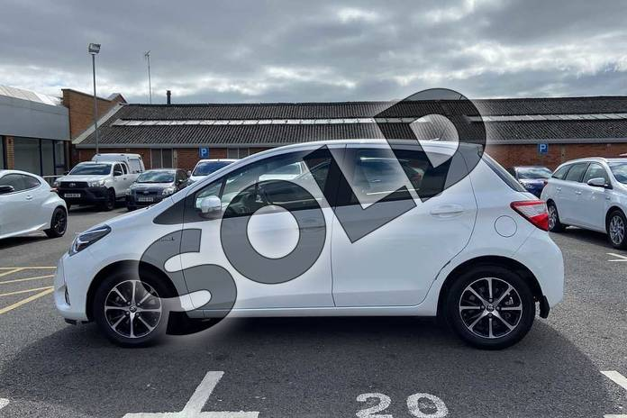 Image seventeen of this 2019 Toyota Yaris Hatchback 1.5 Hybrid Icon Tech 5dr CVT in Pure white at Listers Toyota Coventry