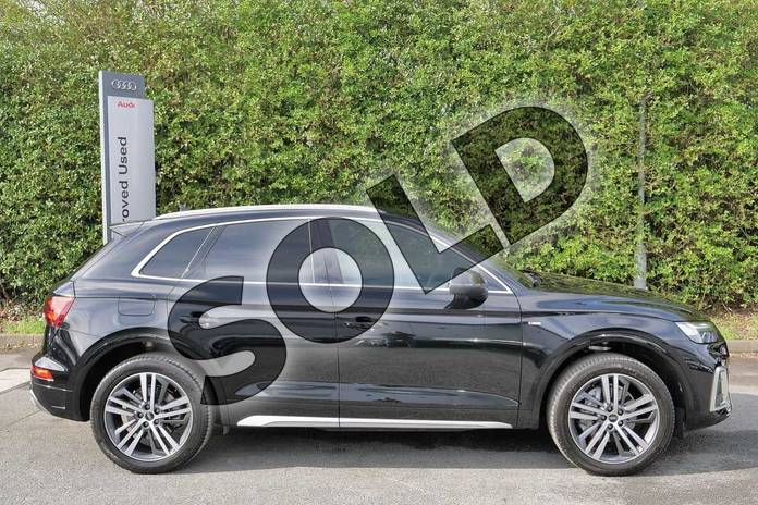 Image four of this 2021 Audi Q5 40 TDI Quattro S Line 5dr S Tronic in Myth Black Metallic at Worcester Audi