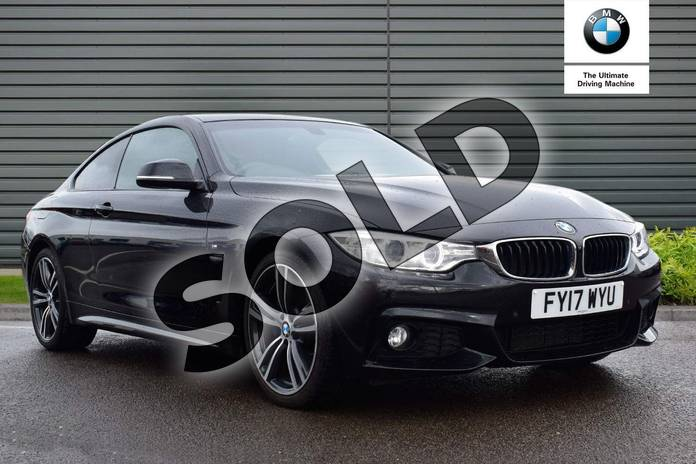 Picture of BMW 4 Series 420i M Sport 2dr Auto (Professional Media) in Black Sapphire metallic paint