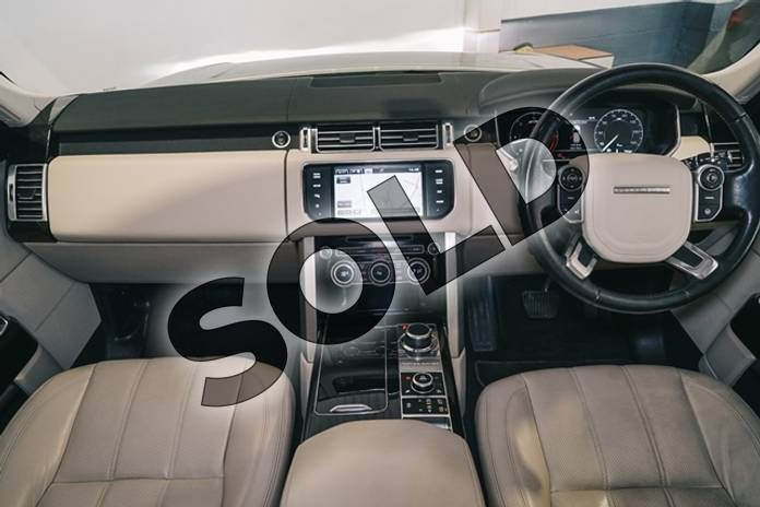 Image nineteen of this 2015 Range Rover Diesel Estate 3.0 TDV6 Vogue 4dr Auto in Metallic - Corris grey at Listers U Stratford-upon-Avon