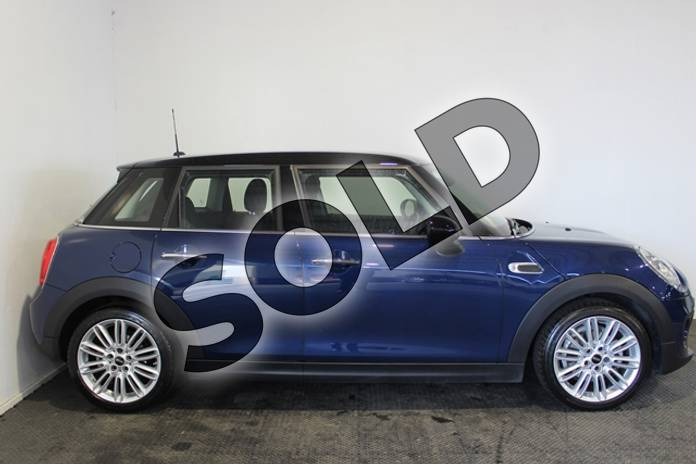 Image five of this 2017 MINI Hatchback 1.5 Cooper 5dr Auto in Metallic - Deep blue at Listers U Stratford-upon-Avon