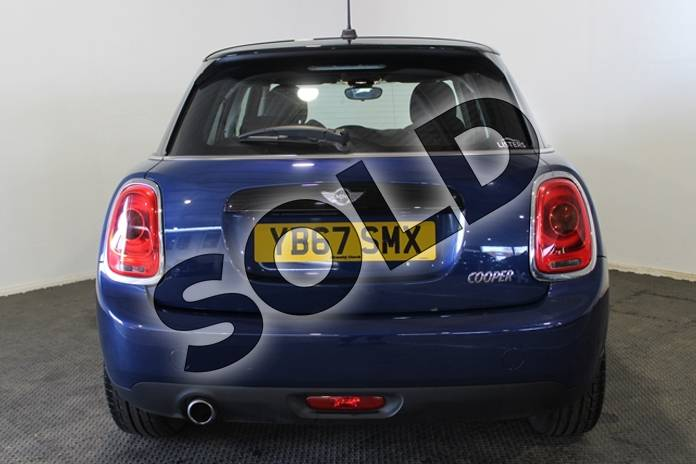 Image six of this 2017 MINI Hatchback 1.5 Cooper 5dr Auto in Metallic - Deep blue at Listers U Stratford-upon-Avon