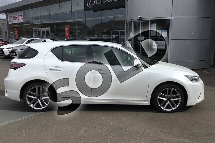 Image sixteen of this 2017 Lexus CT Hatchback 200h 1.8 Executive Edition 5dr CVT Auto in Sonic White at Lexus Lincoln