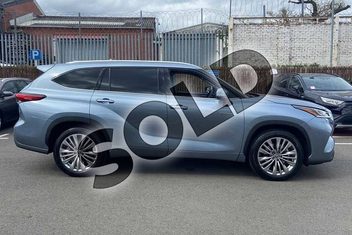 Image sixteen of this 2021 Toyota Highlander Estate 2.5 VVT-i Hybrid Excel 5dr CVT in Silver at Listers Toyota Coventry