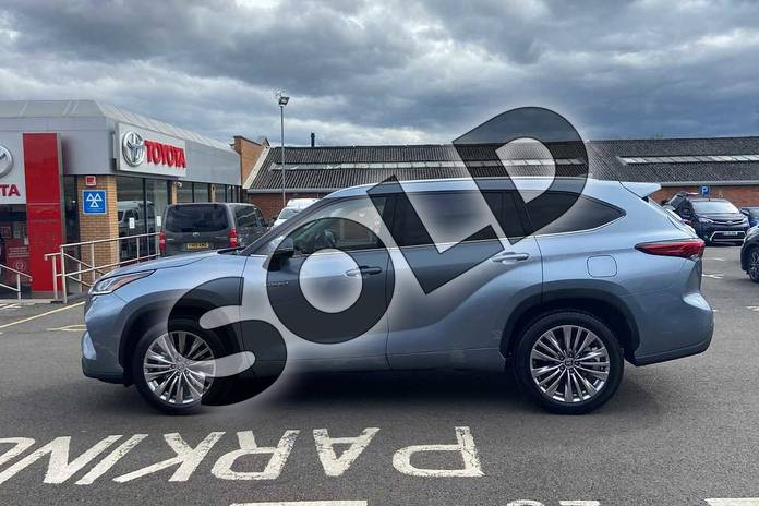Image seventeen of this 2021 Toyota Highlander Estate 2.5 VVT-i Hybrid Excel 5dr CVT in Silver at Listers Toyota Coventry