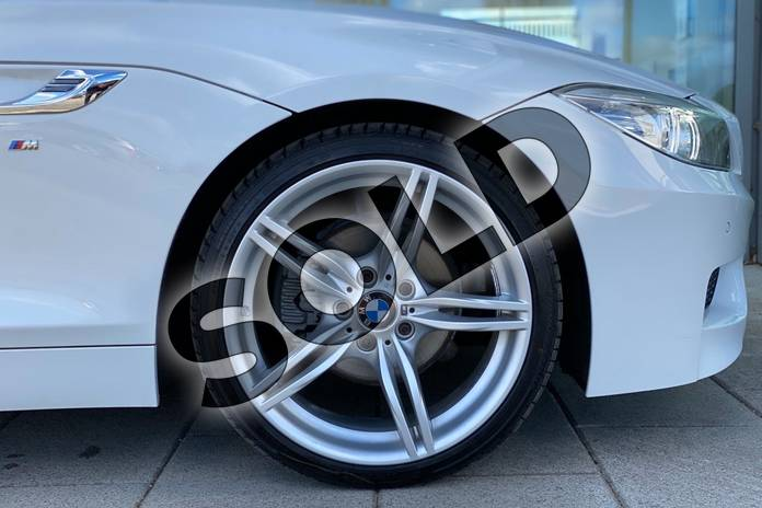 Image seven of this 2017 BMW Z4 Series Z4 sDrive20i M Sport Roadster in Alpine White at Listers King's Lynn (BMW)