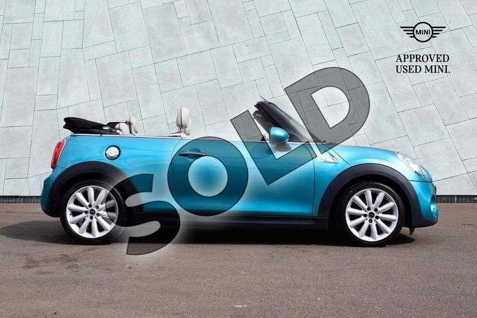 Image nineteen of this 2016 MINI Convertible Cooper S  in Caribbean Aqua at Listers Boston (MINI)