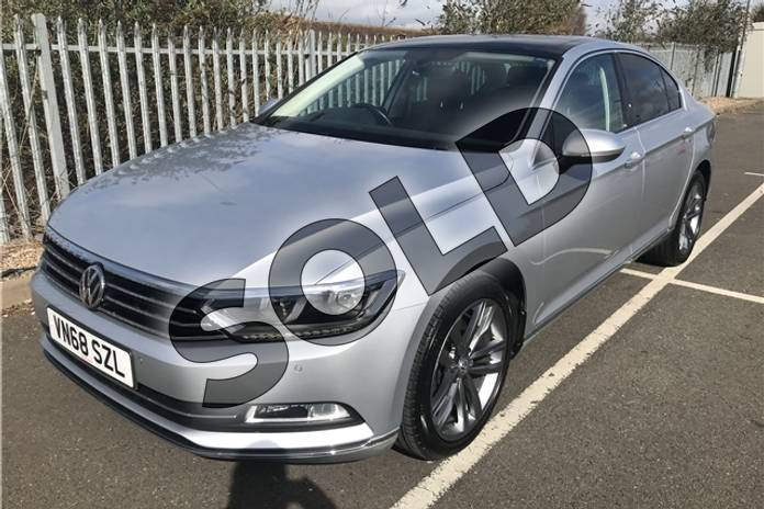 Image four of this 2018 Volkswagen Passat Diesel Saloon 2.0 TDI GT 4dr (Panoramic Roof) in Metallic - Reflex silver at Listers Toyota Stratford-upon-Avon