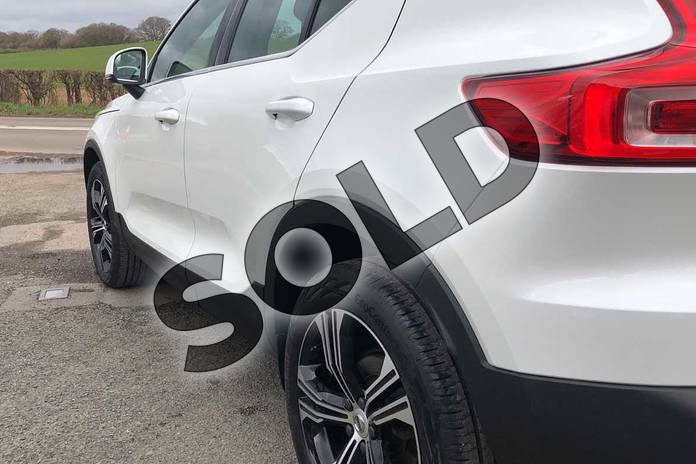 Image nineteen of this 2020 Volvo XC40 Estate 1.5 T3 (163) Inscription Pro 5dr in Crystal White at Listers Volvo Worcester